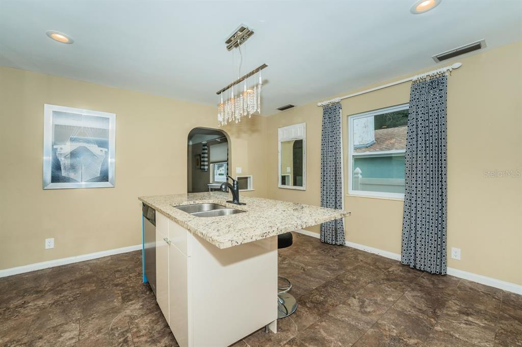 Image 11 For 4158 8th Avenue N