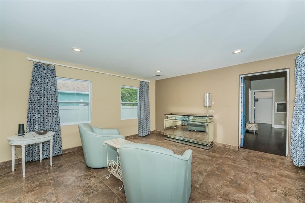 Image 16 For 4158 8th Avenue N