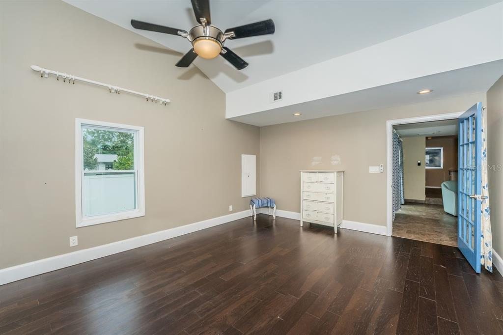 Image 18 For 4158 8th Avenue N