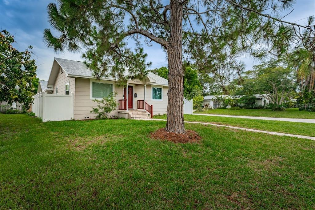 Image 3 For 4158 8th Avenue N