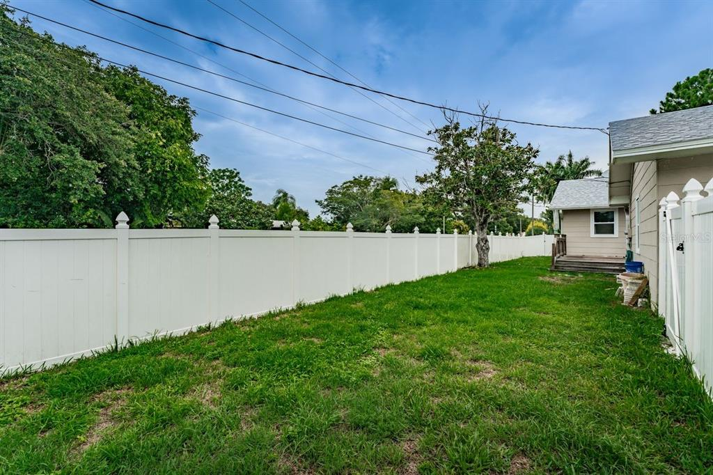 Image 32 For 4158 8th Avenue N