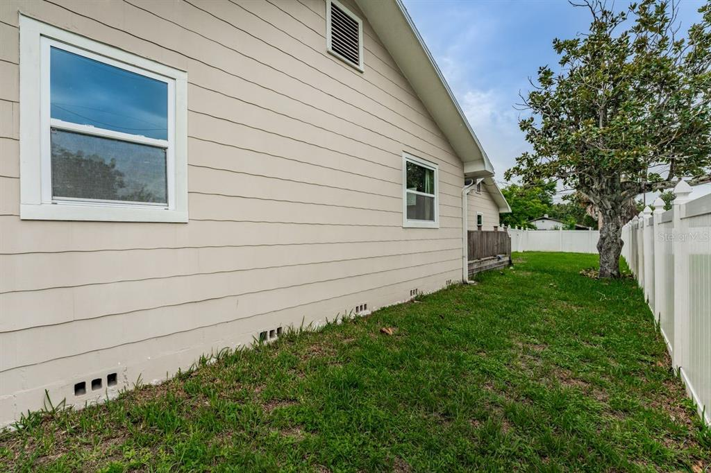 Image 34 For 4158 8th Avenue N