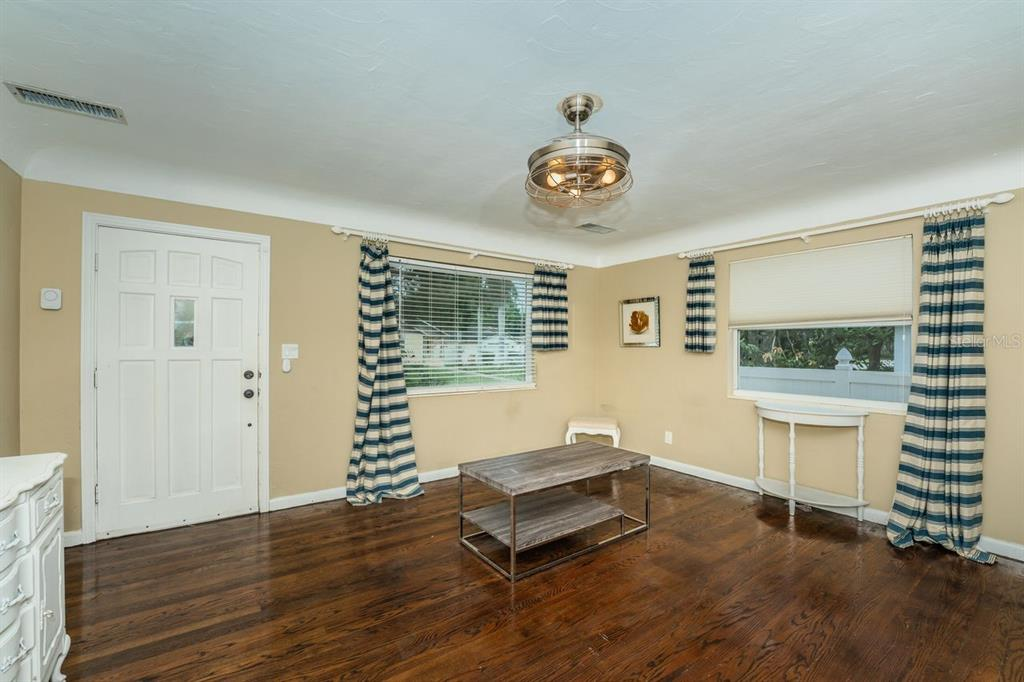 Image 7 For 4158 8th Avenue N