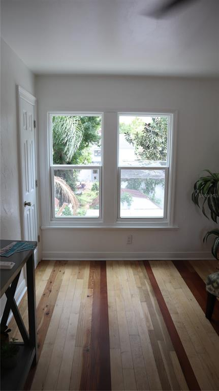 Image 10 of 63 For 2220 5th Avenue N