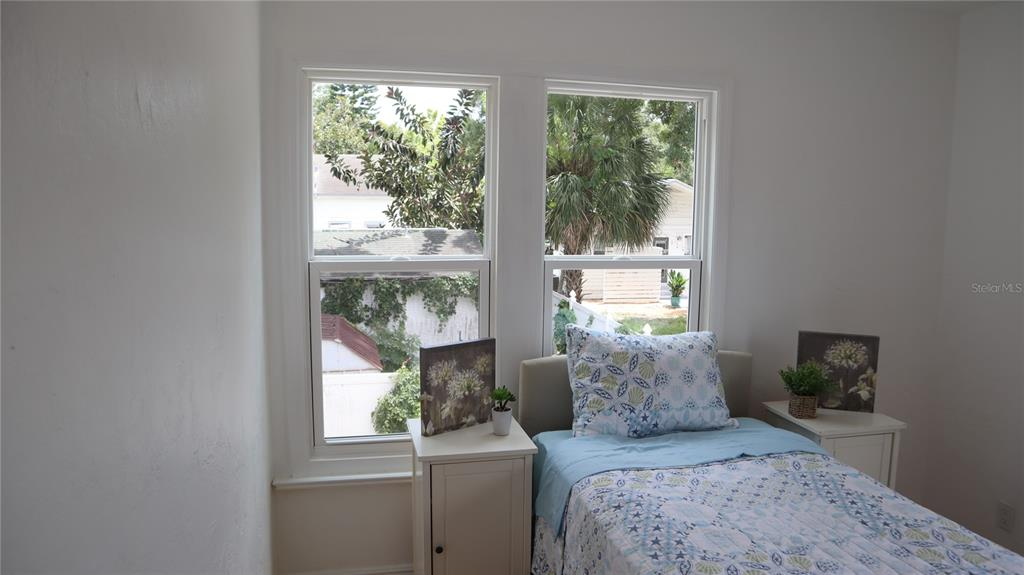 Image 35 of 63 For 2220 5th Avenue N