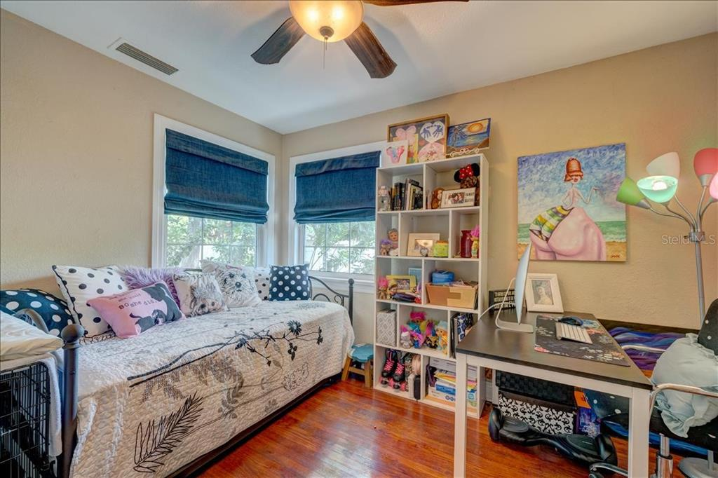 Image 11 For 2222 51st Street S