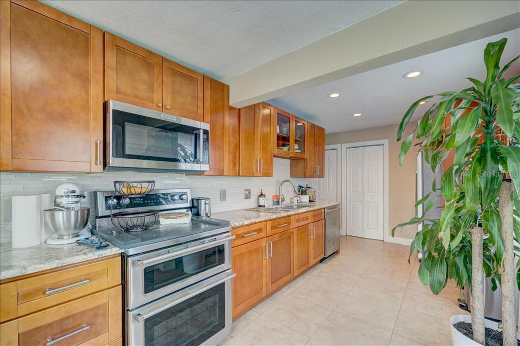 Image 7 For 2222 51st Street S