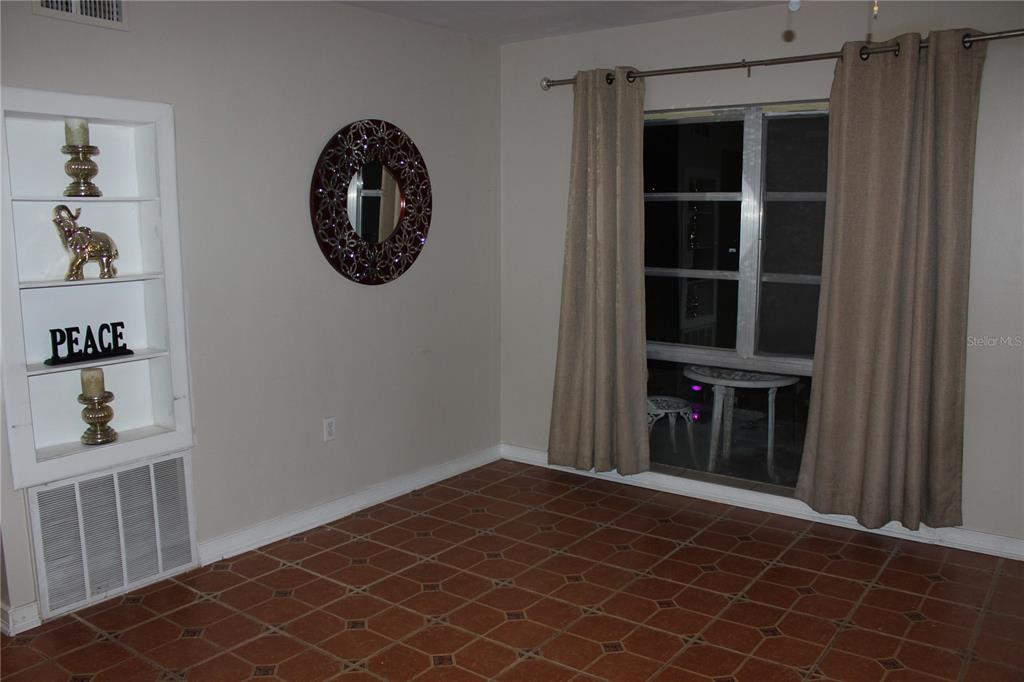 Image 4 For 5309 Marine Parkway