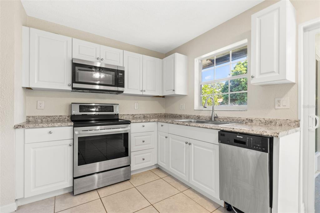 Image 11 of 21 For 3897 42nd Avenue N