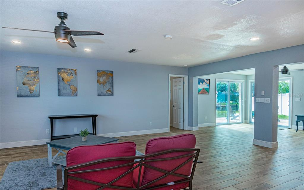 Image 4 of 33 For 4094 13th Way Ne