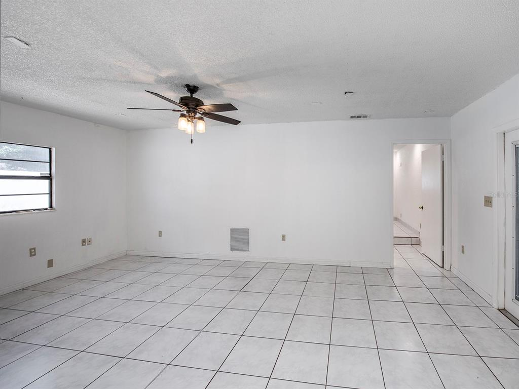 Image 11 of 20 For 10869 65th Way N