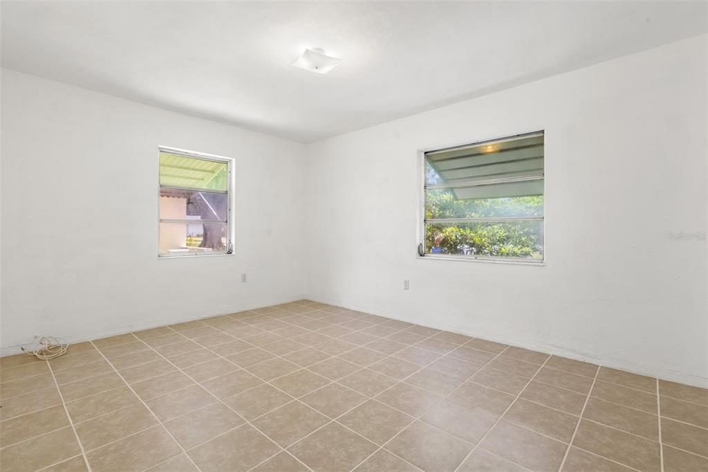 Image 22 of 27 For 5731 53rd Avenue N