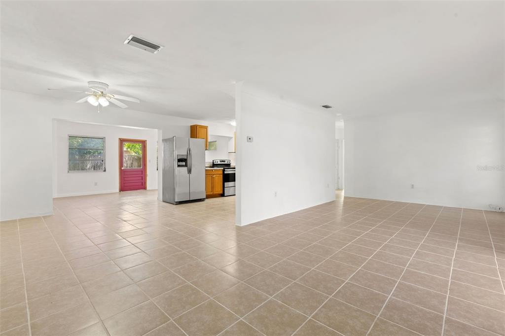 Image 7 of 27 For 5731 53rd Avenue N