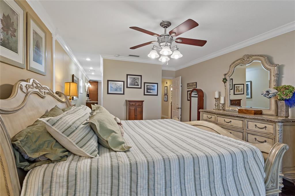Image 14 of 82 For 22757 Southshore Drive