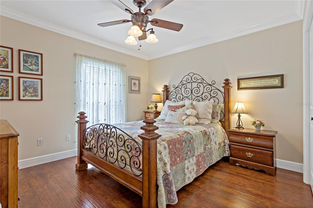 Image 17 of 82 For 22757 Southshore Drive
