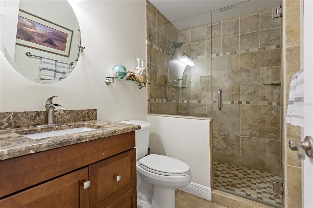 Image 18 of 82 For 22757 Southshore Drive