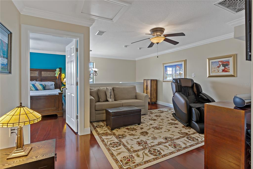 Image 21 of 82 For 22757 Southshore Drive