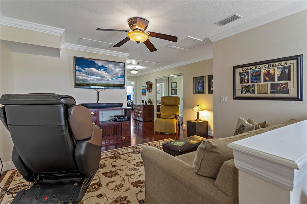 Image 22 of 82 For 22757 Southshore Drive