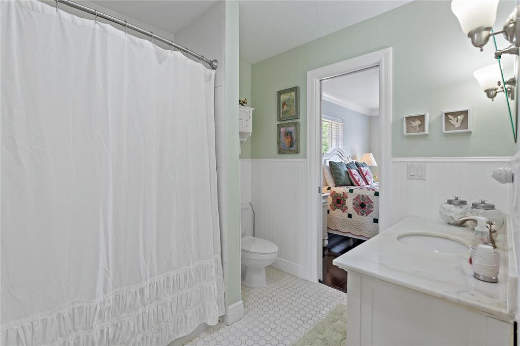 Image 24 of 82 For 22757 Southshore Drive