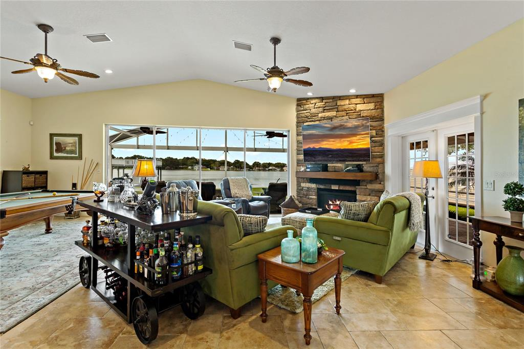 Image 9 of 82 For 22757 Southshore Drive