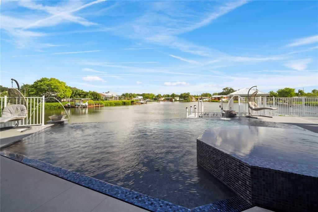 Listing photo id  for 6526 Surfside Boulevard