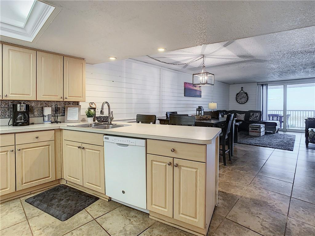 Image 11 For 14700 Gulf Boulevard 302