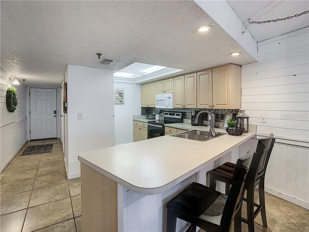 Image 12 For 14700 Gulf Boulevard 302