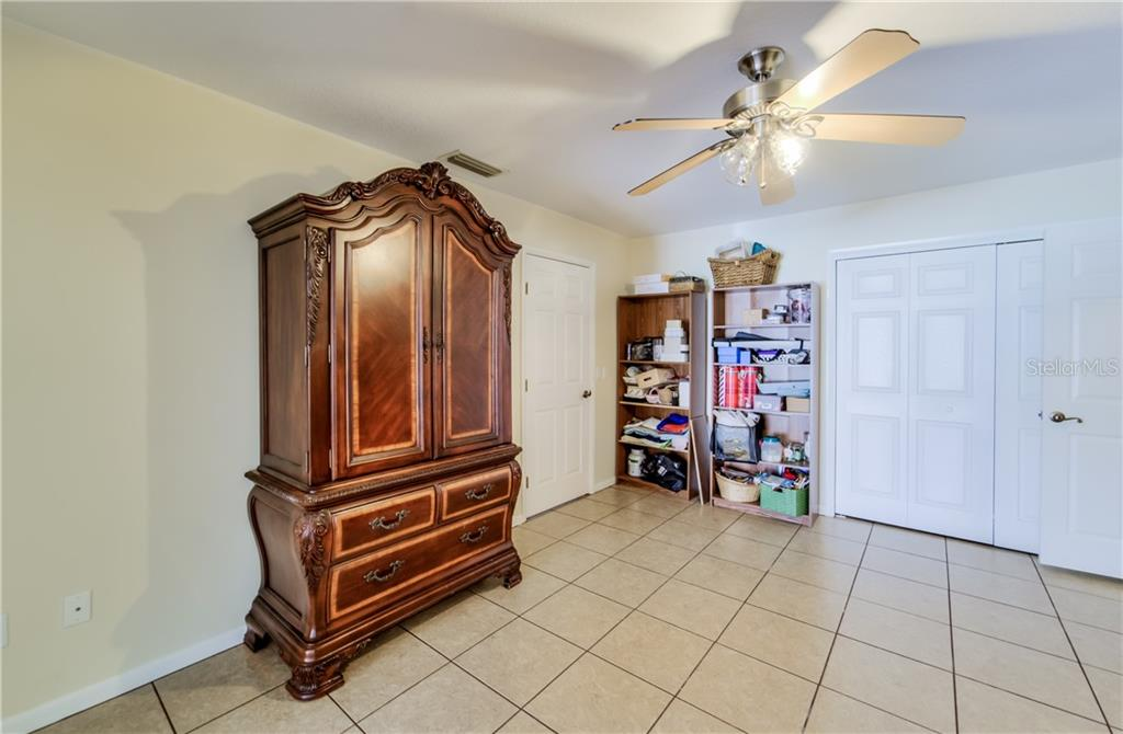 Listing photo id  for 27228 Ravens Brook Road