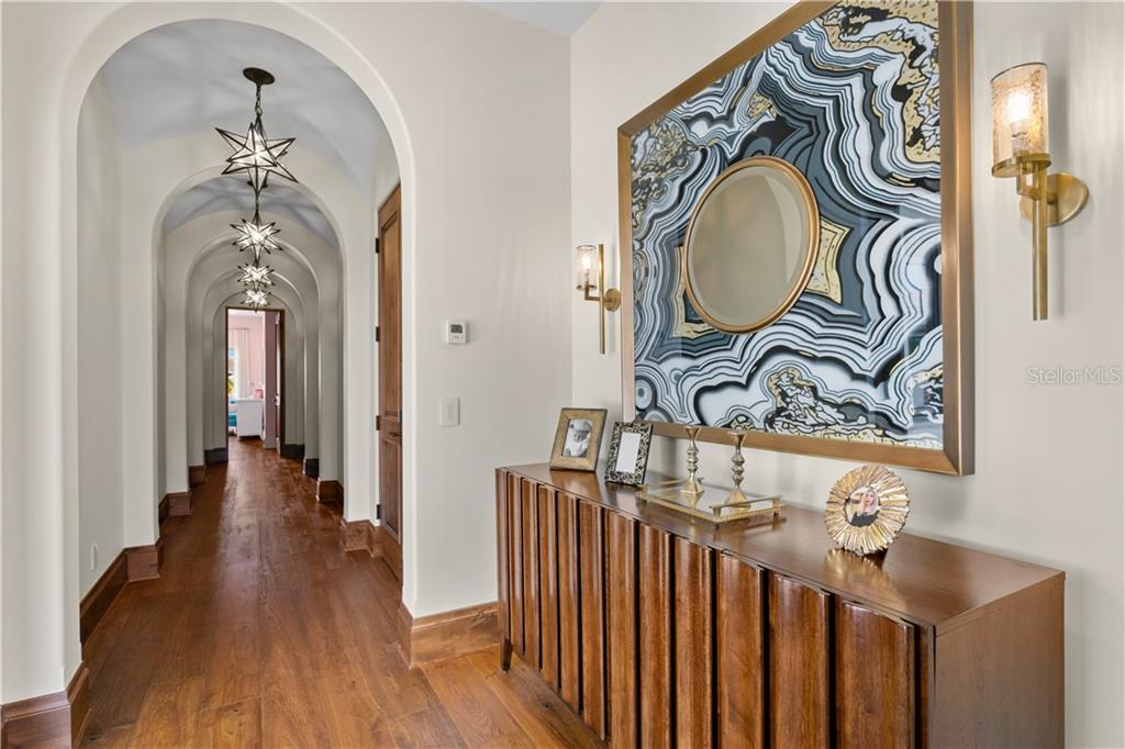 Listing photo id  for 2621 Dundee Street