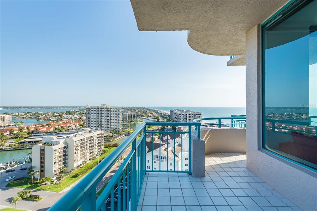 Image 45 For 1560 Gulf Boulevard 1607