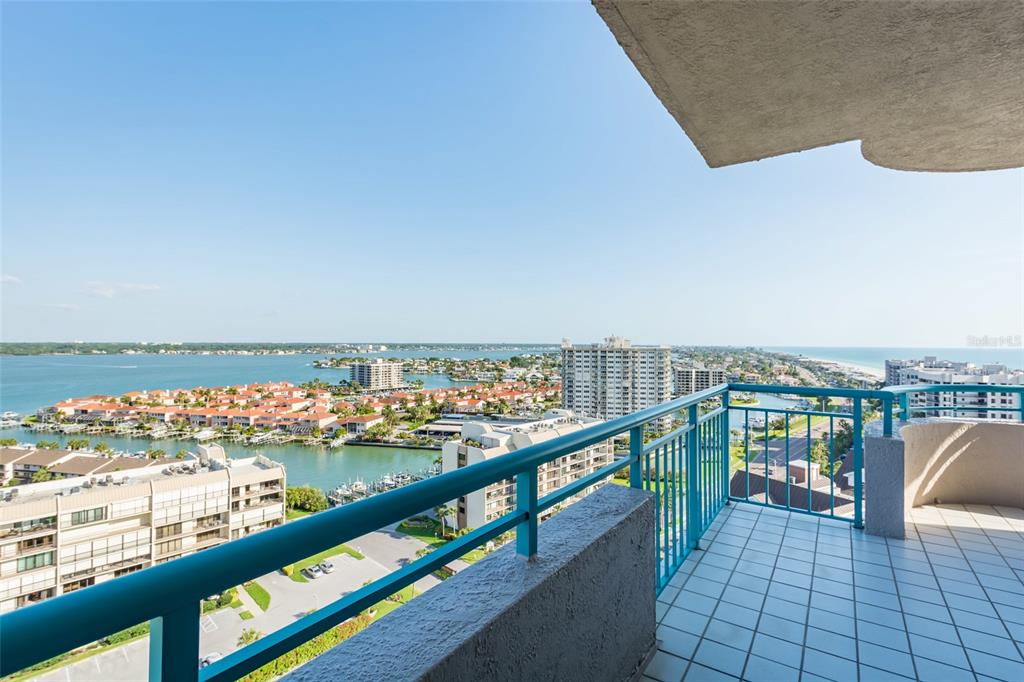 Image 46 For 1560 Gulf Boulevard 1607