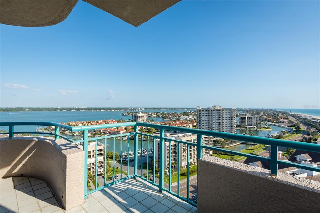 Image 50 For 1560 Gulf Boulevard 1607