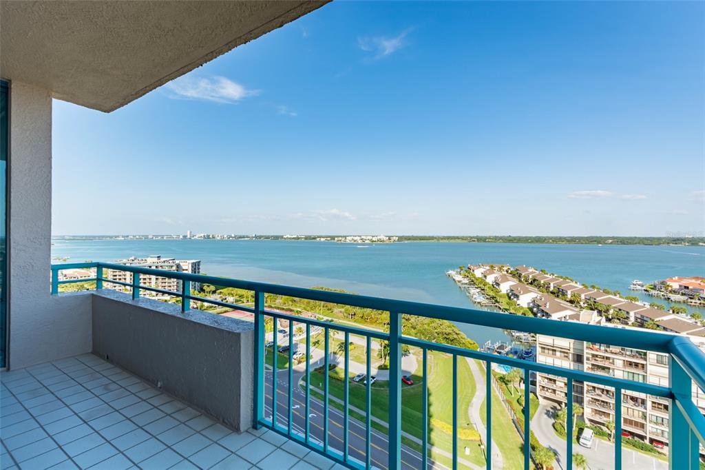 Image 52 For 1560 Gulf Boulevard 1607