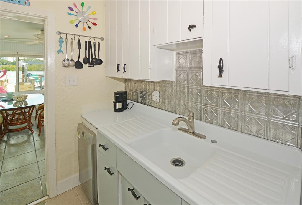 Listing photo id  for 215 1st Street