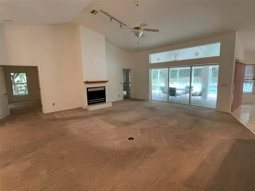 Listing photo id  for 617 Chase Street