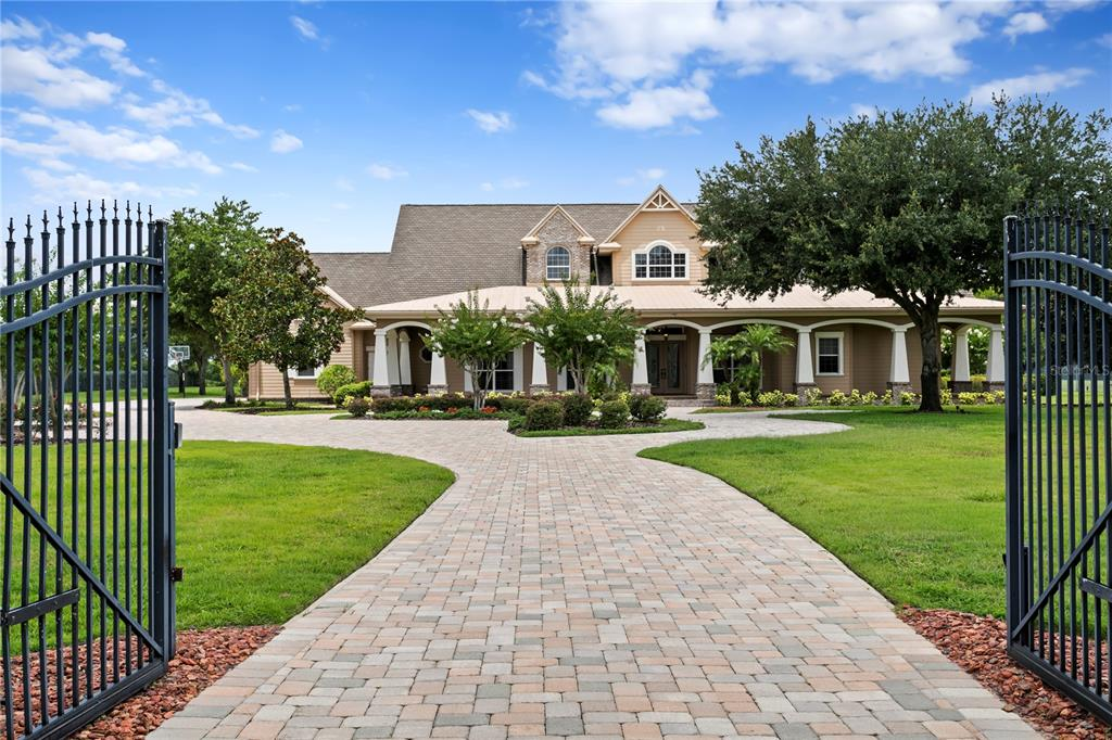 Listing Details for 17240 Breeders Cup Drive, ODESSA, FL 33556