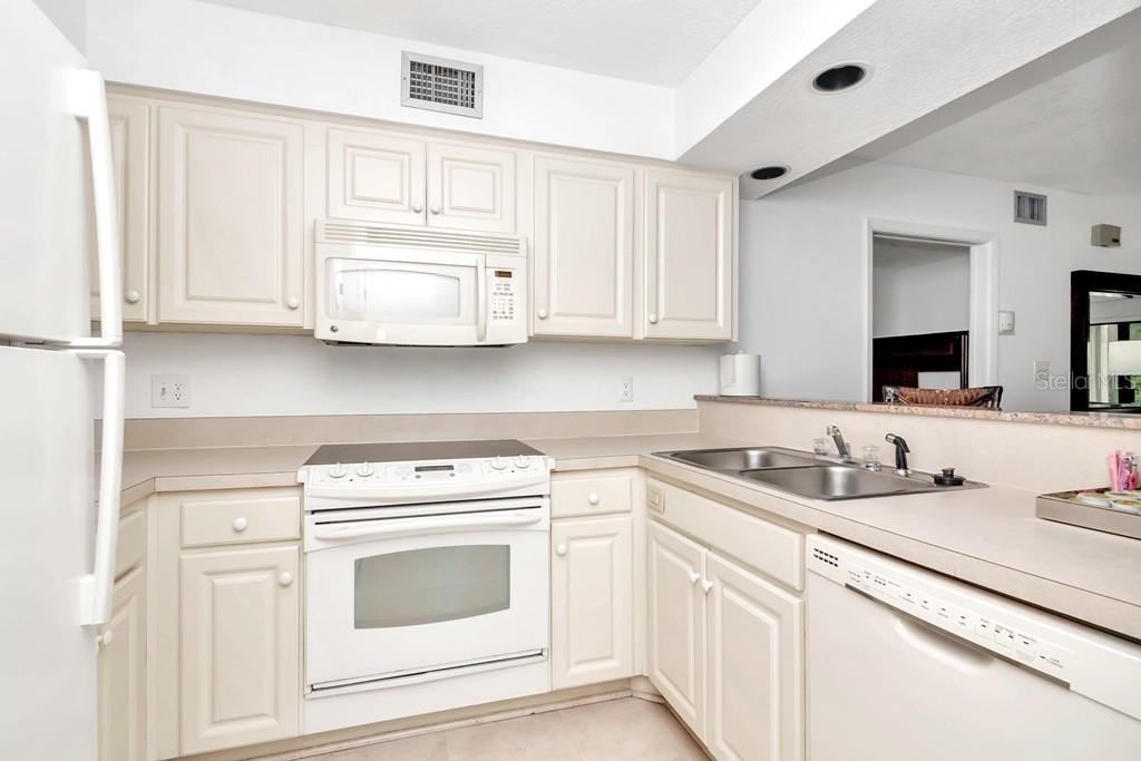 Image 10 For 4758 Fox Hunt Drive, #407-409