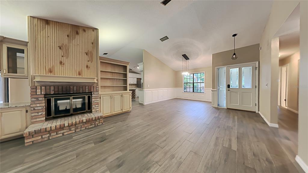 Image 3 For 728 Silverwood Drive