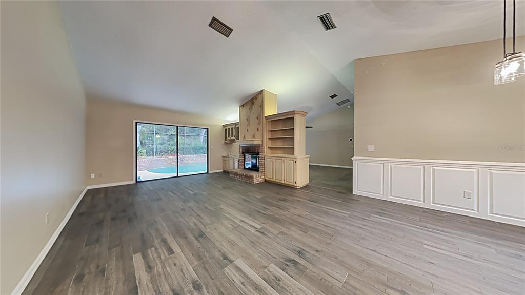 Image 4 For 728 Silverwood Drive