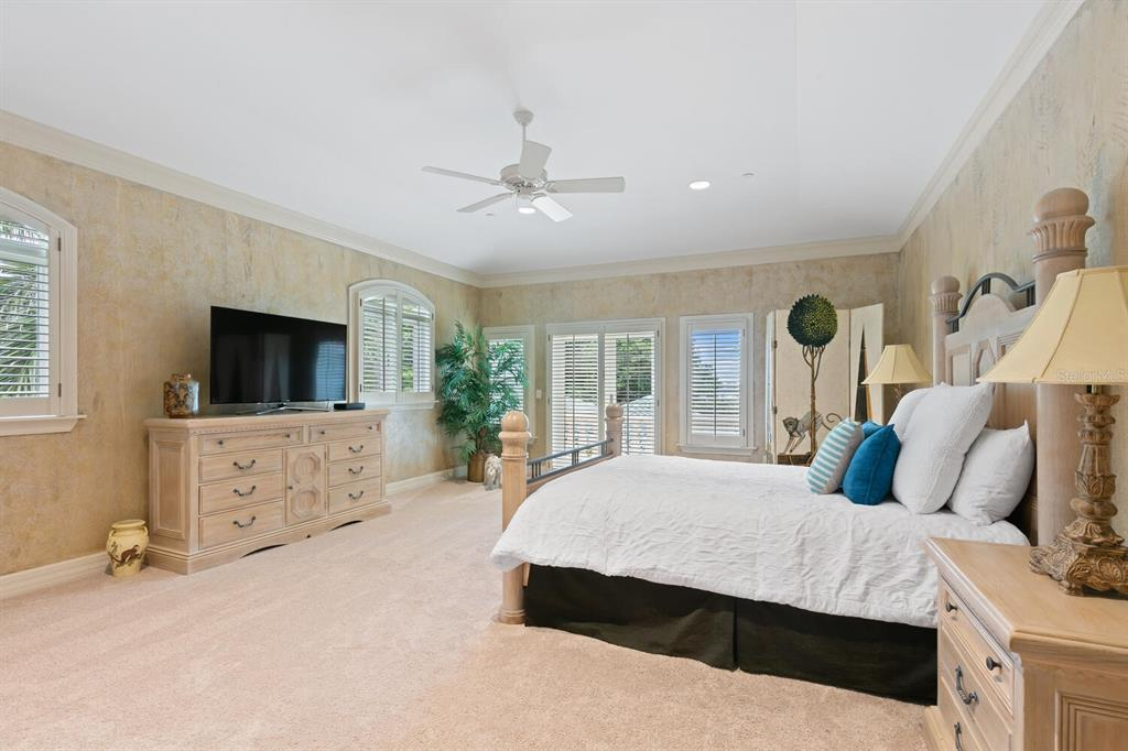 Listing photo id  for 712 Casey Key Road