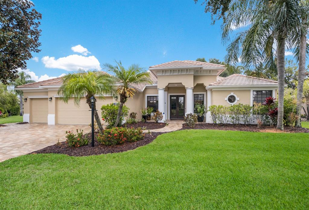 Details for 12221 Greenbrier Way, LAKEWOOD RANCH, FL 34202
