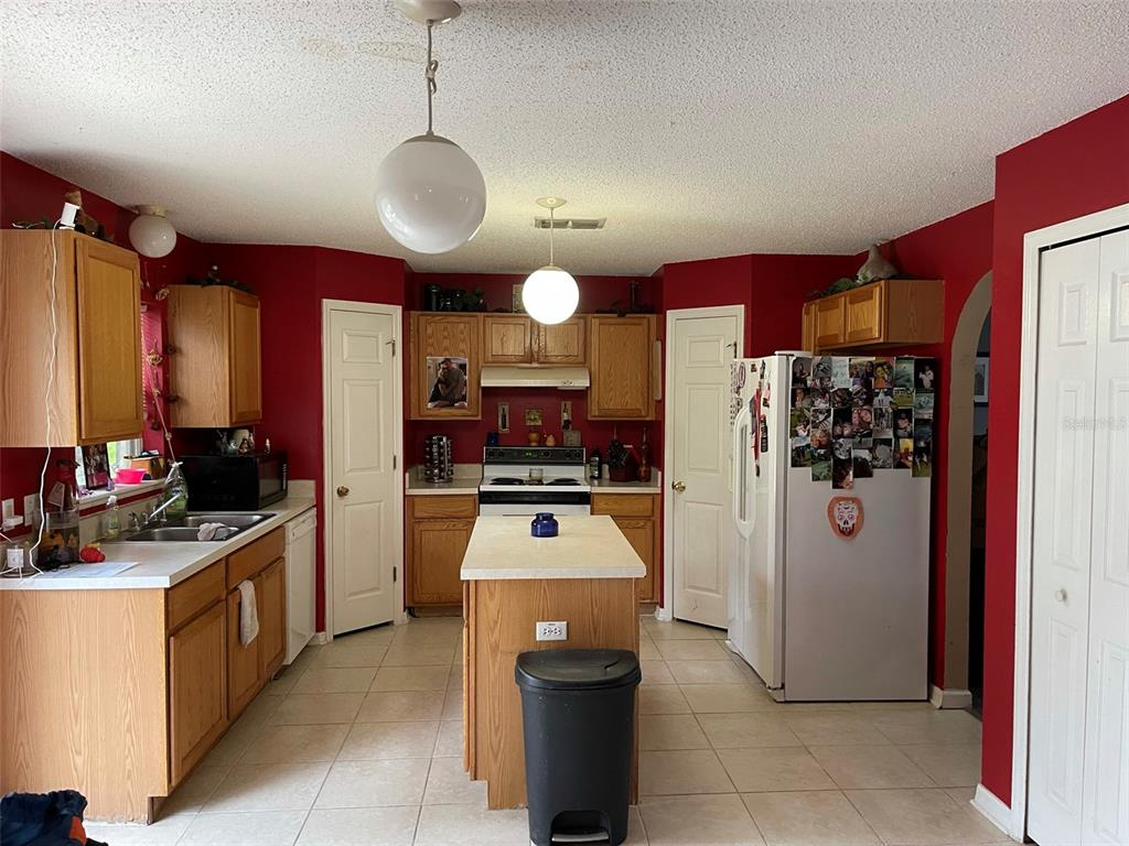 Image 4 of 24 For 12139 Villa Road