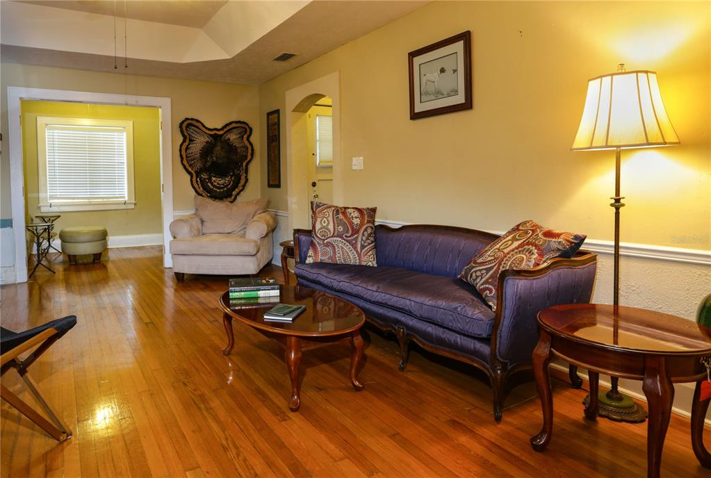 Listing photo id  for 325 Kerneywood St
