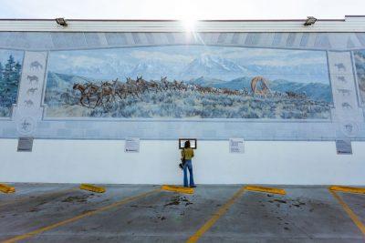 e-taylor-california-bishop-downtown-mural-