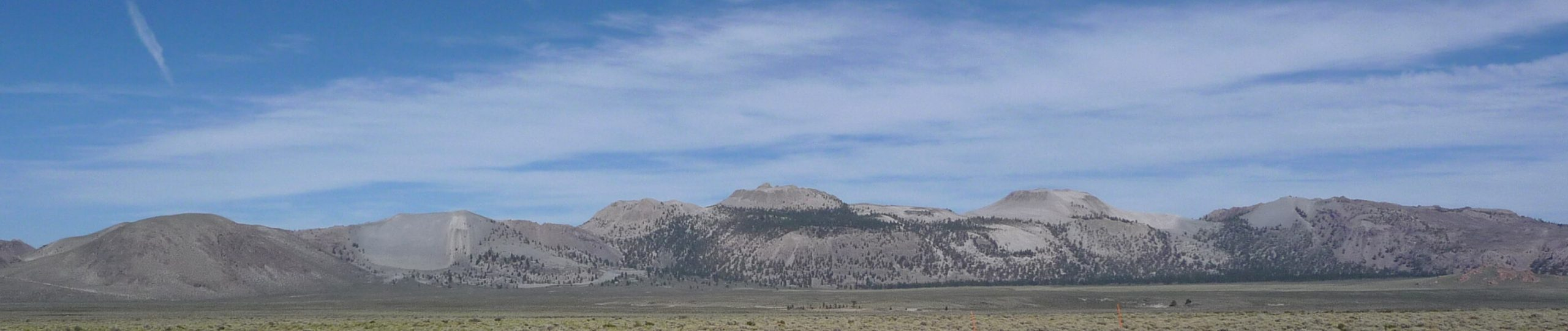 Mono Craters seen from US 395. Photo: Daniel Mayer