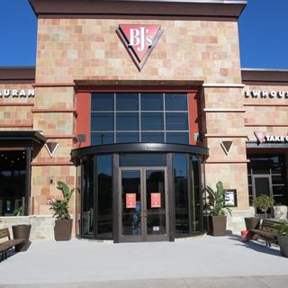 Orlando, Florida Location - BJ's Restaurant & Brewhouse