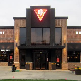 Fairlawn, Ohio Location - BJ's Restaurant & Brewhouse