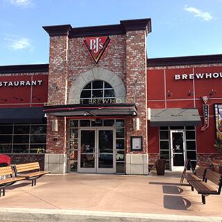Fort Wayne Mall >> Fresno, CA 93710 - Handcrafted Beer & 120+ Menu Items ...