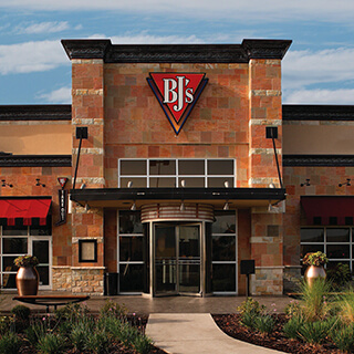 Bakersfield, California Location - BJ's Restaurant & Brewhouse