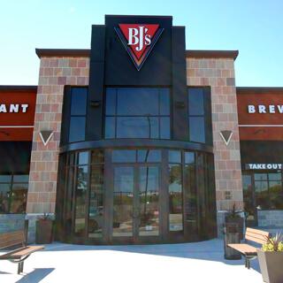 North Canton, Ohio Location - BJ's Restaurant & Brewhouse